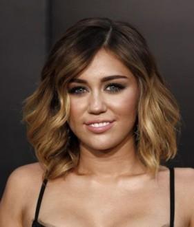 Kurze Frisuren Für Ein Rundes Gesicht Modische Frisuren Und